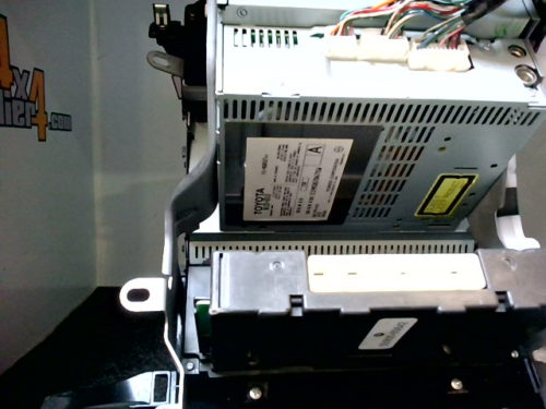 Console-centrale-tuner-K-7-CD-noir-Toyota-KDJ-120125tmp-img-1602236393593.jpg