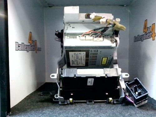 Console-centrale-tuner-K-7-CD-noir-Toyota-KDJ-120125tmp-img-1602236527887.jpg