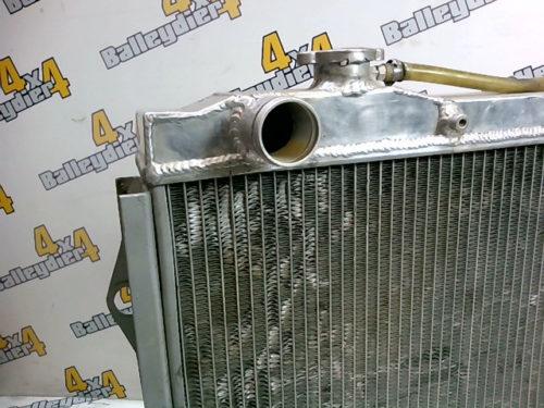 Radiateur-moteur-en-aluminium-Toyota-HDJ-80-boite-de-vitesse-manuelle-12-et-24-soupapestmp-img-160162684863.jpg