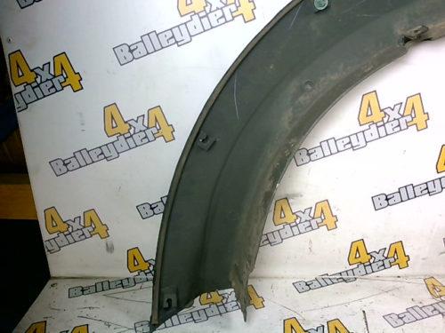 Extension-d-aile-arrière-noire-Mitsubishi-KB-4tmp-img-1605885938267.jpg