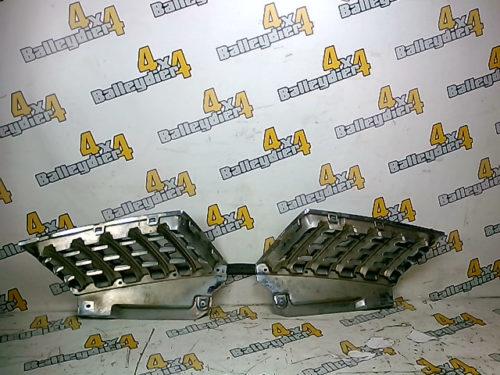 Grille-calandre-supérieur-chrome-plus-joint-sous-capot-Mitsubishi-KB-4tmp-img-1605772126515.jpg