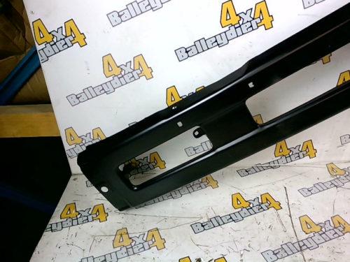 PARE-CHOCS-AVANT-CENTRAL-NOIR-MITSUBISHI-L200-1987-1993-Compatible-avec-Mitsubishi-L200-Neuf-adaptabletmp-img-1605600220121.jpg