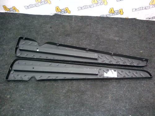 Marche-pied-origine-en-acier-noirci-avec-encoche-Toyota-Land-cruiser-série-4-—-BFFJHJ4042434546tmp-img-160796276025.jpg
