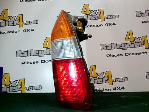 Feu-arrière-droite-Mitsubishi-L200-K-74-avant-2005tmp-img-1613374531780.jpg