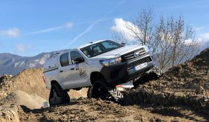 hilux-dmax-chenille-12-scaled