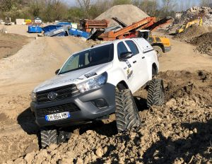 hilux-dmax-chenille-13-scaled