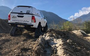 hilux-dmax-chenille-17-scaled