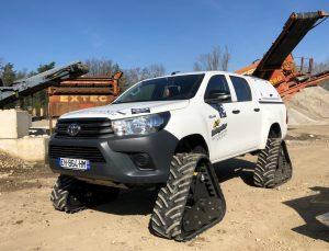 hilux-dmax-chenille-18-scaled