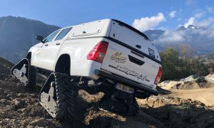 hilux-dmax-chenille-2-scaled