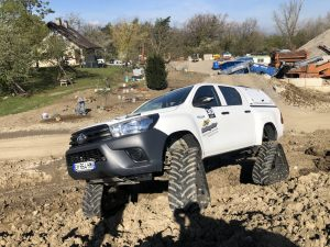 hilux-dmax-chenille-22-scaled