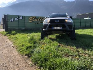 hilux-dmax-chenille-23-scaled