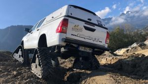 hilux-dmax-chenille-3-scaled